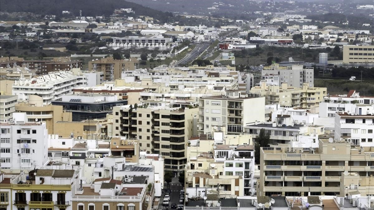 Vista general de la capital de Eivissa.