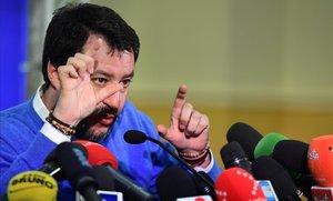 Facebook retira el vídeo de Salvini intimidant una família tunisiana
