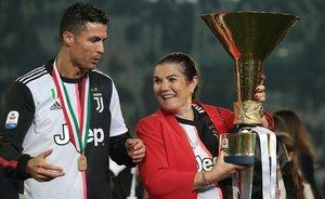 La mare de Cristiano Ronaldo, hospitalitzada després de patir un ictus