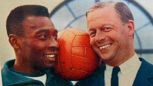 Pelé y Gunnar Ericsson, en 1966.