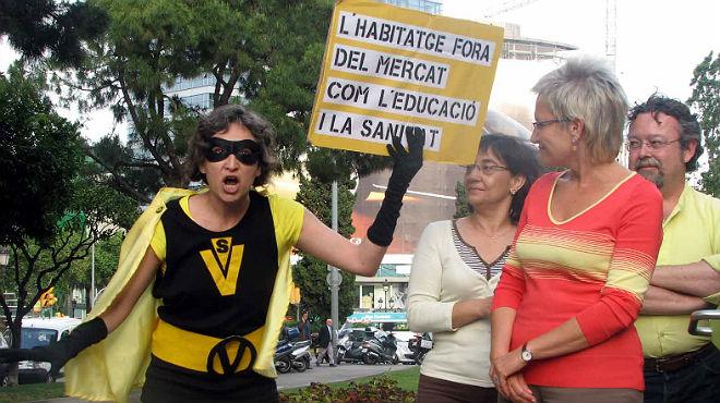 Ada Colau revienta un acto electoral de Imma Mayol en el 2007