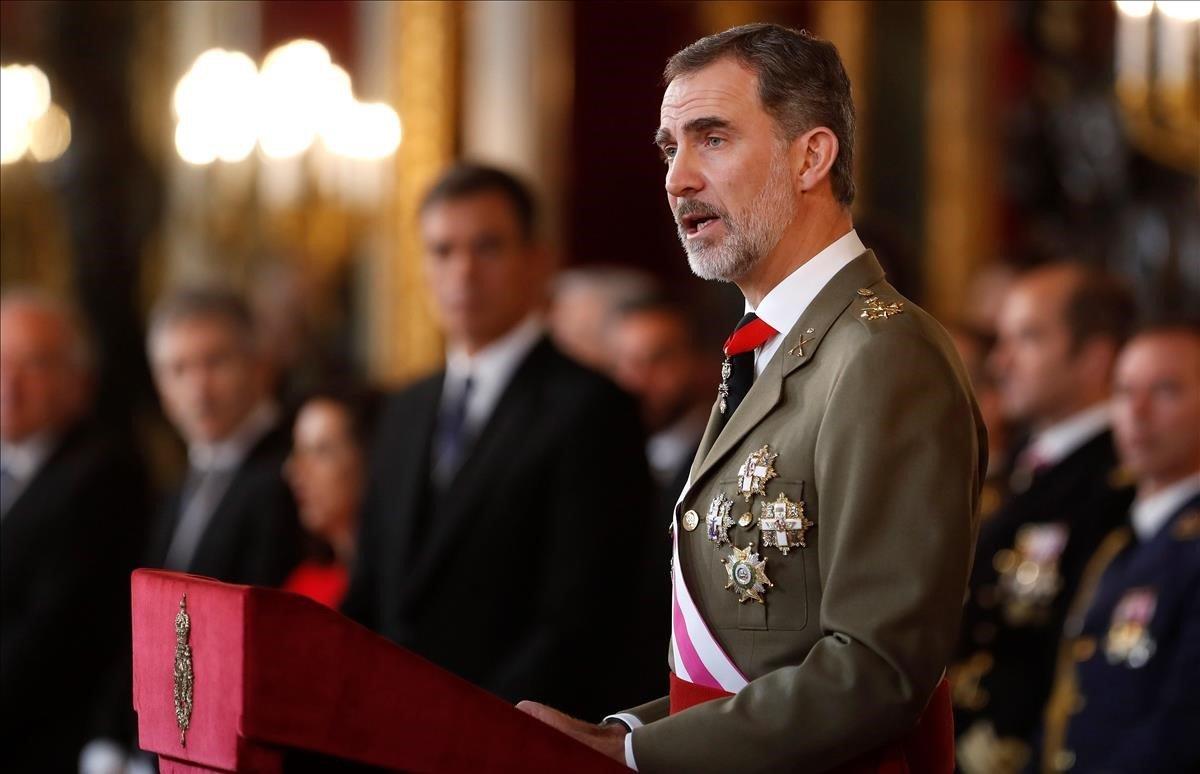 El Rey, durante su salutación este domingo con motivo de la Pascua Militar.
