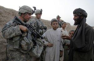 Desde el comienzo de la invasión de 2001 -sustituida por una misión de entrenamiento en 2014- han muerto en Afganistán 2.217 militares estadounidenses.