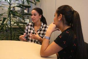 Andrea Fernández y María Contreras han iniciado estudios de Matemáticas y Derecho gracias al Plan Integral del Pueblo Gitano.