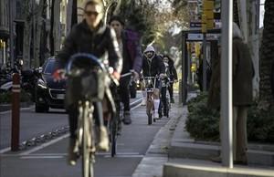Tráfico de bicicletas en el carril bici de la Diagonal.