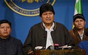 Evo Morales renuncia a la presidencia de Bolivia.
