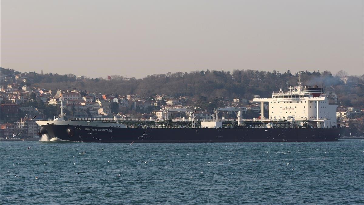 El buque petrolero 'The British Heritage' salía del golfo Pérsico hacia el Estrecho de Ormuz