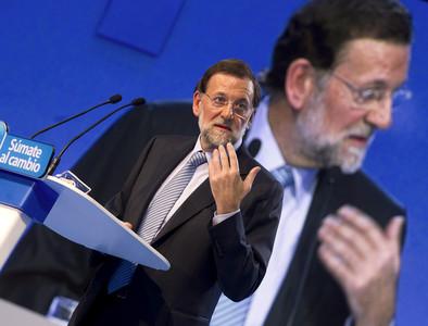 El candidato del PP a la presidencia del Gobierno, Mariano Rajoy, durante su intevención en Burgos.