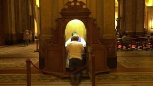 Un confesionario.