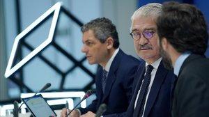 El consejero delegado de Endesa, José Bogas, y el director financiero, Luca Passa, en la presentación de resultados del 2019