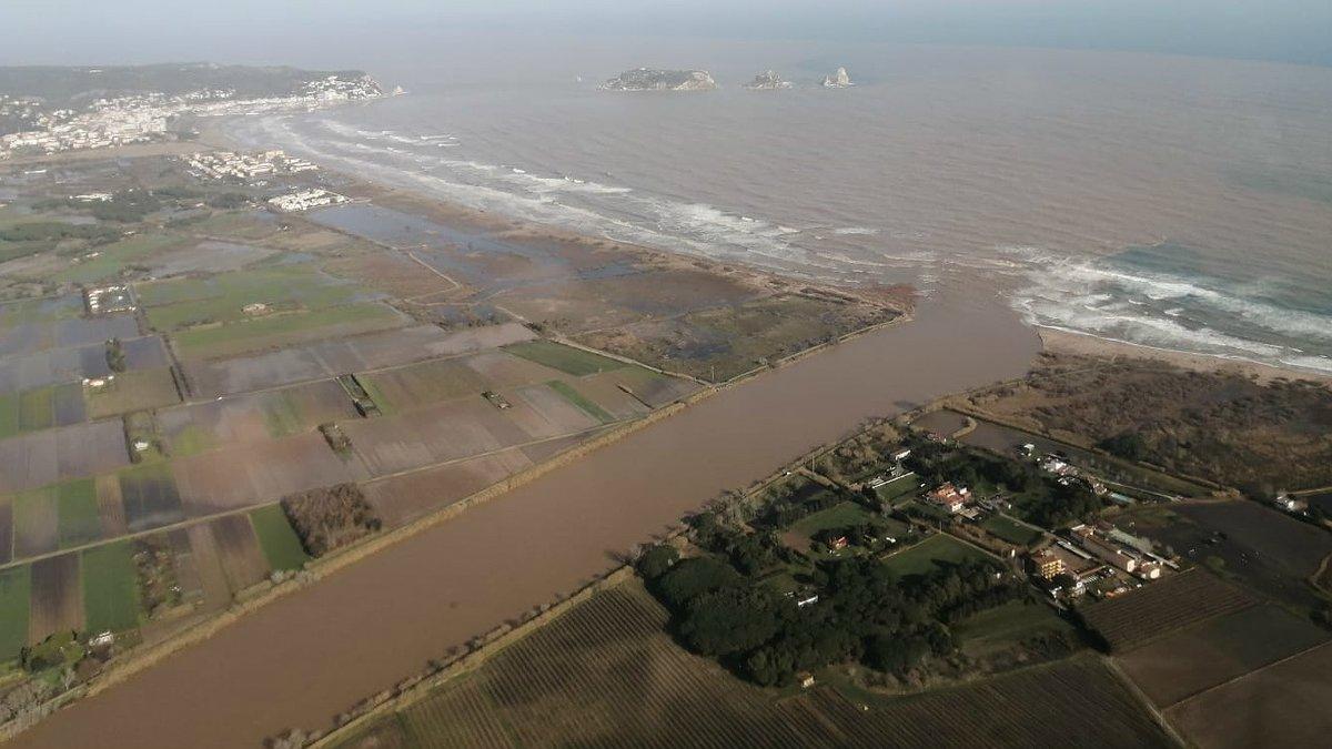 Desembocadura del río Ter, tras el paso de la borrasca 'Gloria', este jueves.
