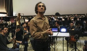 El director Anthony Gabriele, al frente de la Orquesta Sinfónica Camera Musicae.