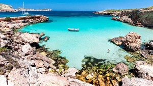 Una playa de Eivissa.