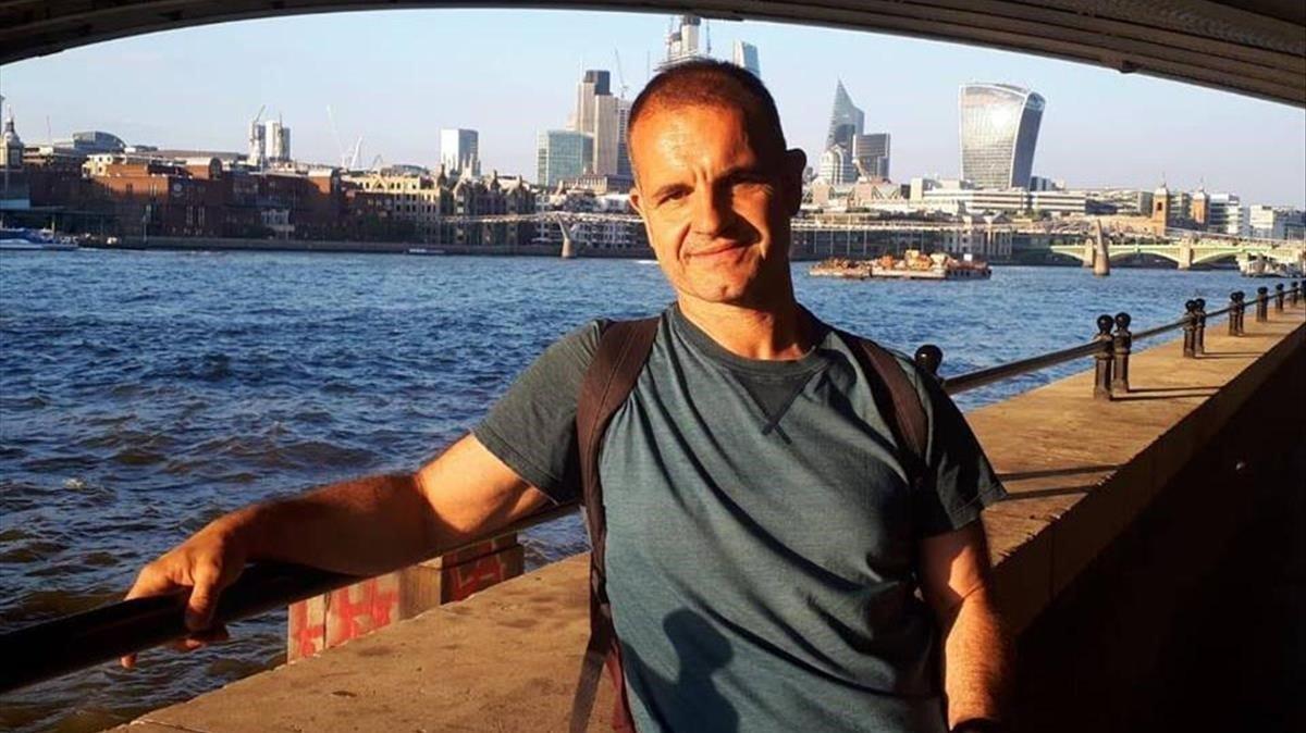 El escritor Jordi Llavina