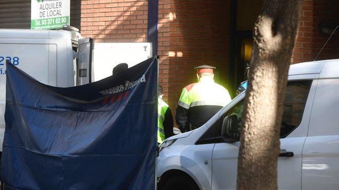 Un home mata la seva dona i la seva filla de 3 anys a Esplugues