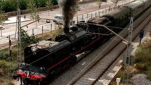 Locomotora de época del tipo Garrat, construida en 1961, para realizar el trayecto Barcelona-Mataró con motivo del 150 aniversario de la línea.