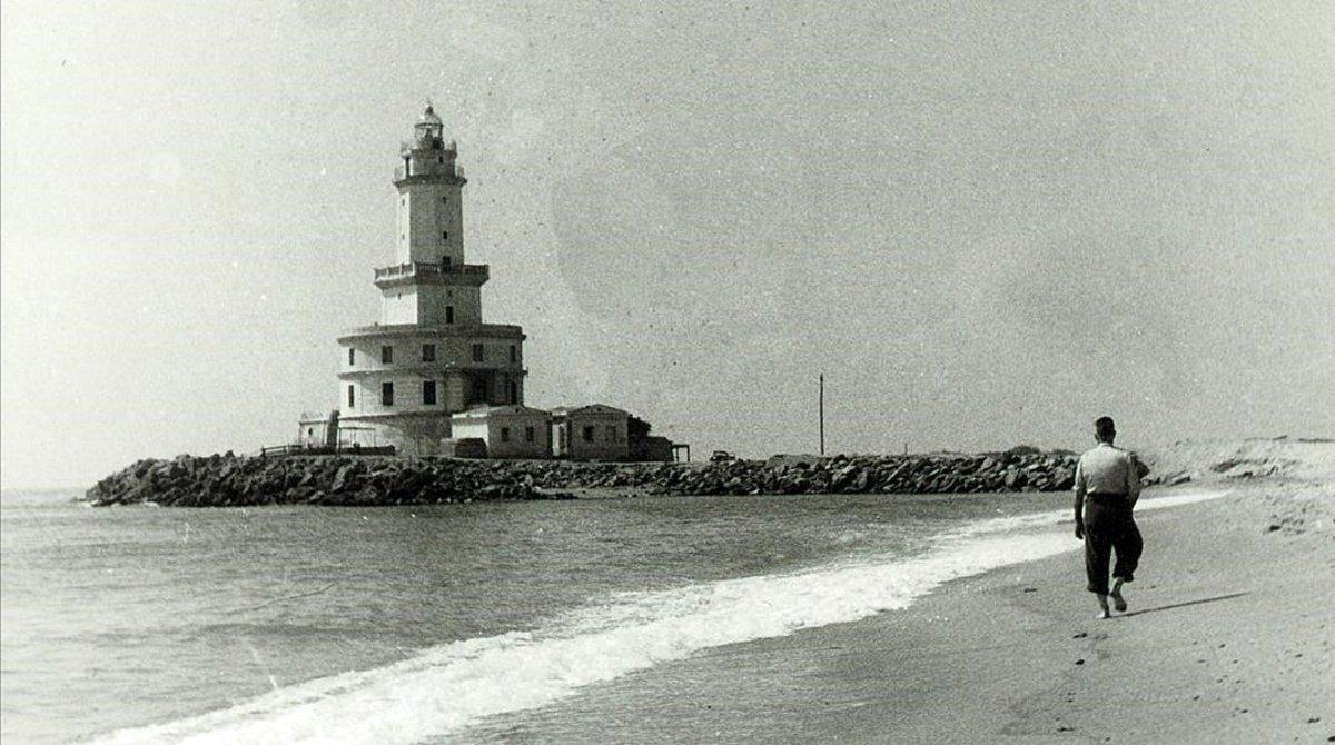 Foto histórica del Faro del Llobregat en los años 50