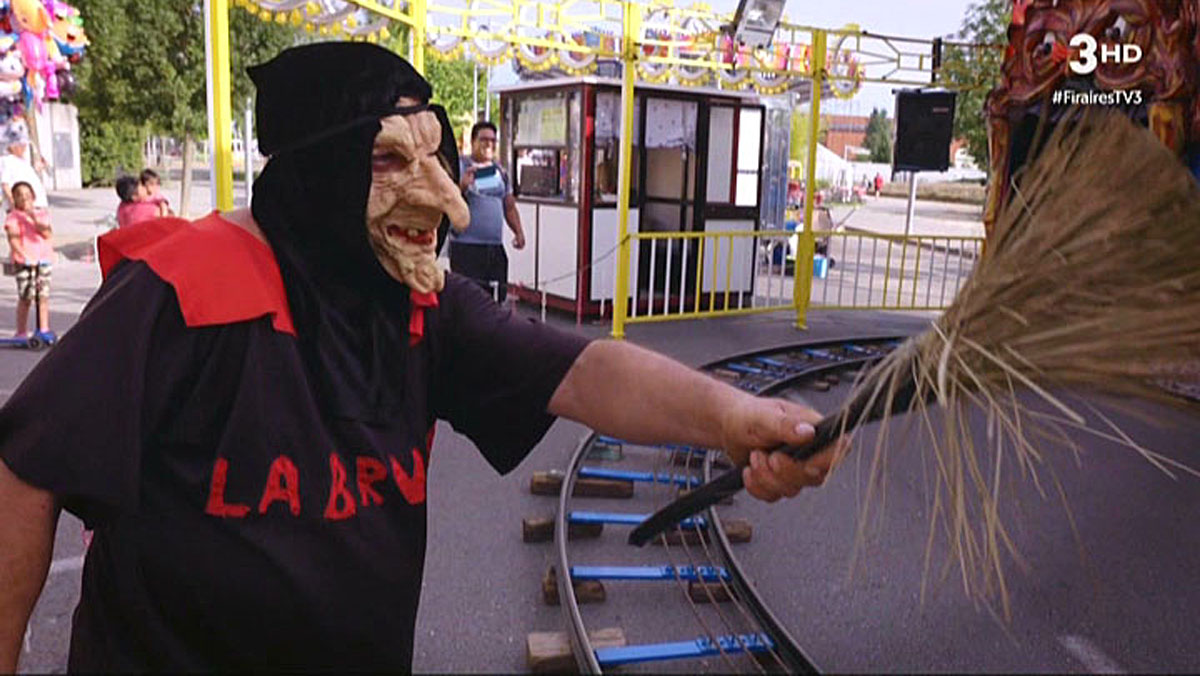 30 años de 'bruixa' en el 'tren de la bruixa' (TV3).