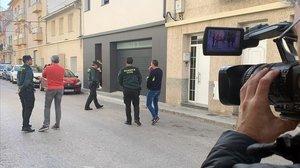 La Guardia Civil registra la vivienda en la localidad valenciana de L'Olleria.