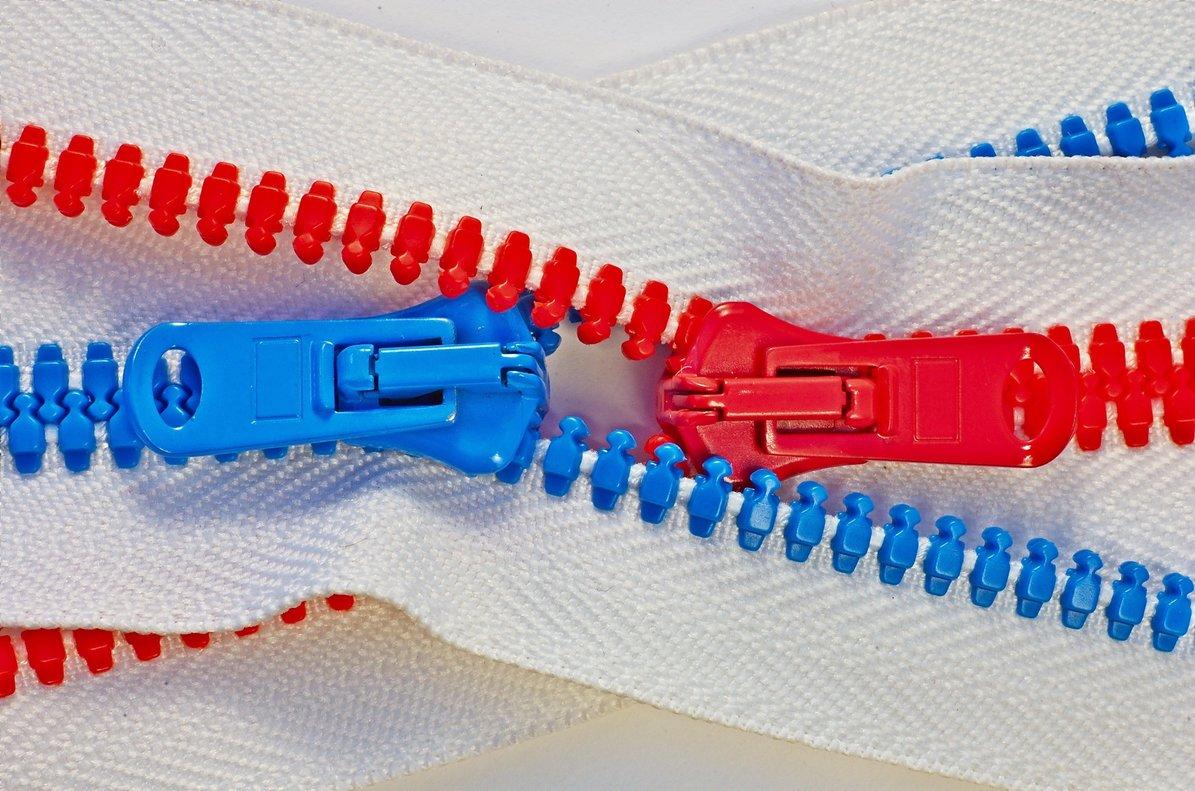 La industria textil es una de las que más se basan en la economía de usar y tirar.
