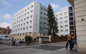 Imagen exterior de la clínica Sagrada Família de Barcelona, este viernes