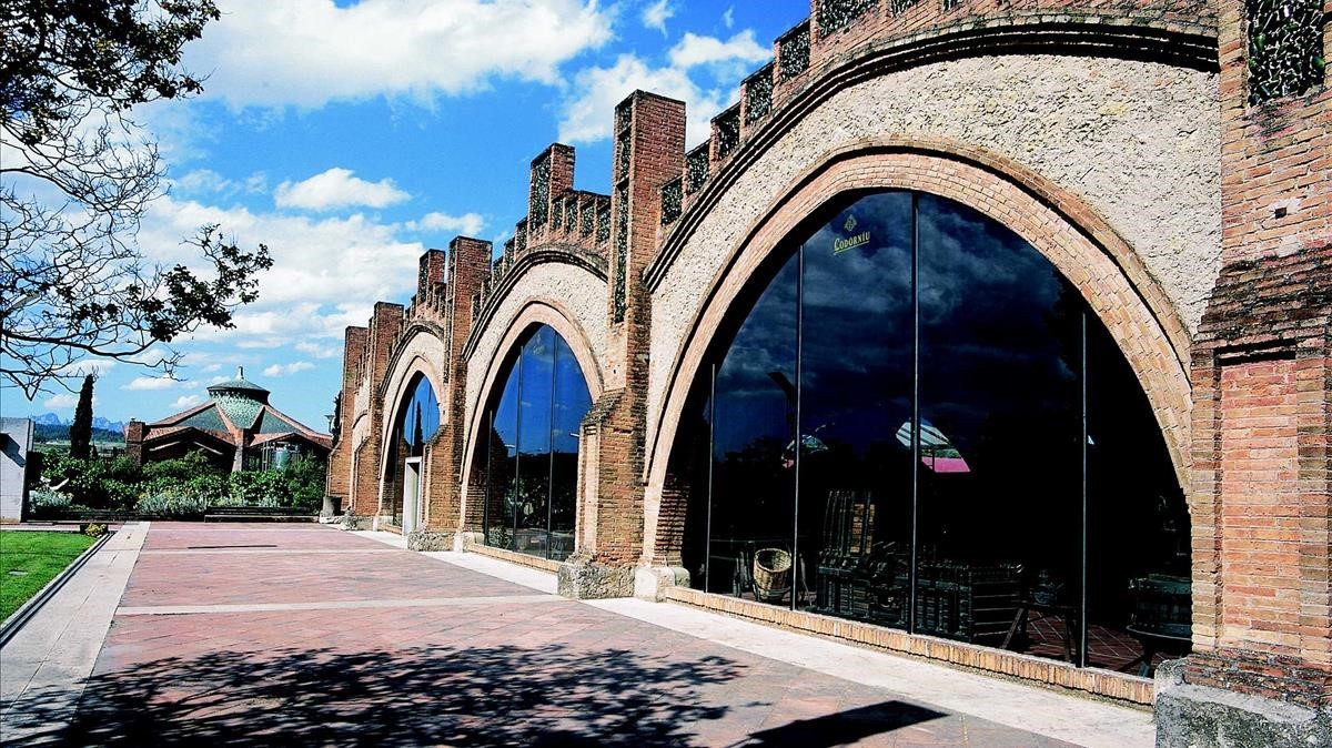 Imagen de una de las fachadas de Codorniu.