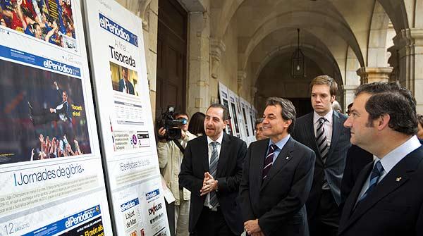 El president de la Generalitat, Artur Mas, ha inaugurat lexposició amb motiu dels 5.000 números de ledició catalana dEl Periódico.