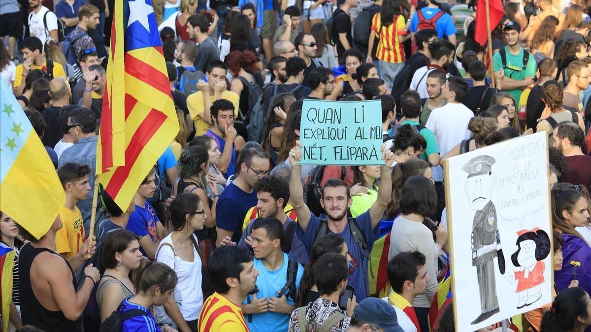 Jóvenes manifestándose el pasado 3 de octubre con motivo de la huelga general.