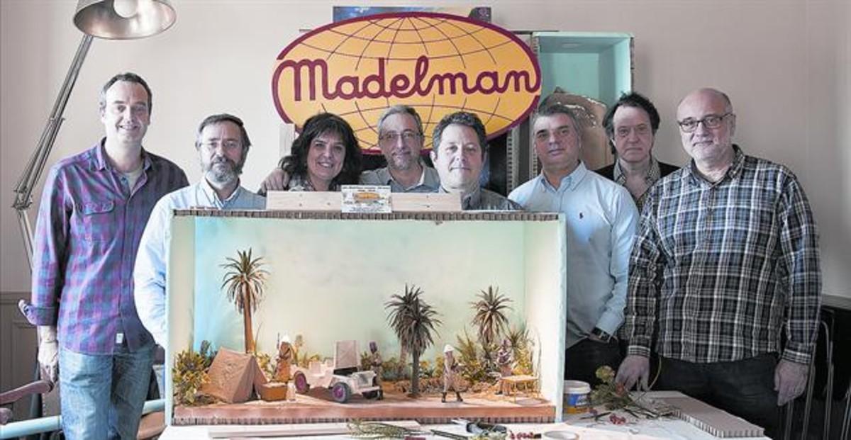 Los promotores del homenaje a los Madelman: J. Lopez, J. L. Vera ,C. Guillaumet, M. Perez, J. M. Padilla, M. Llopis, J. L. Pampols y X. Casanovas.