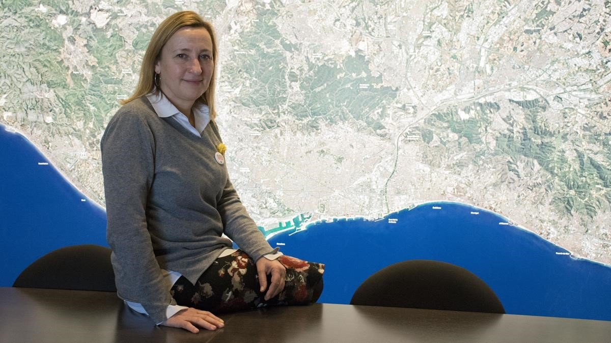 Maite Aymerich, vicepresidenta de Internacional y Cooperación del AMB, en la sede del organismo