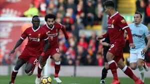 Mané, Salah y Firmino, en un partido del Liverpool contra el West Ham.
