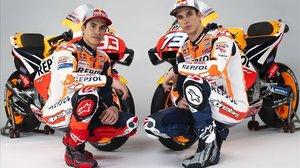 Marc y Àlex Márquez, componentes del equipo Repsol Honda, de MotoGP.