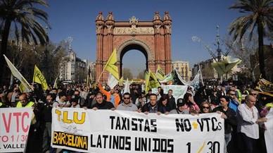 El taxi vuelve a la huelga el 25 de julio tras el recurso de Fomento contra la normativa antiVTC