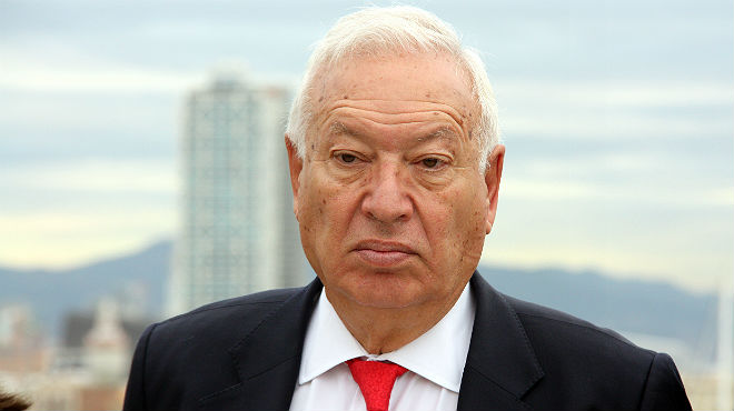 El ministre Margallo parla amb els mitjans, aquest dimecres a Barcelona.