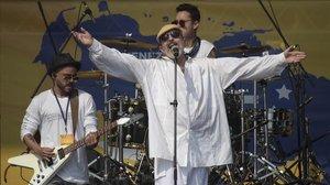 Miguel Bosé, durante su actuación en el Venezuela Aid Live, el pasado domingo.