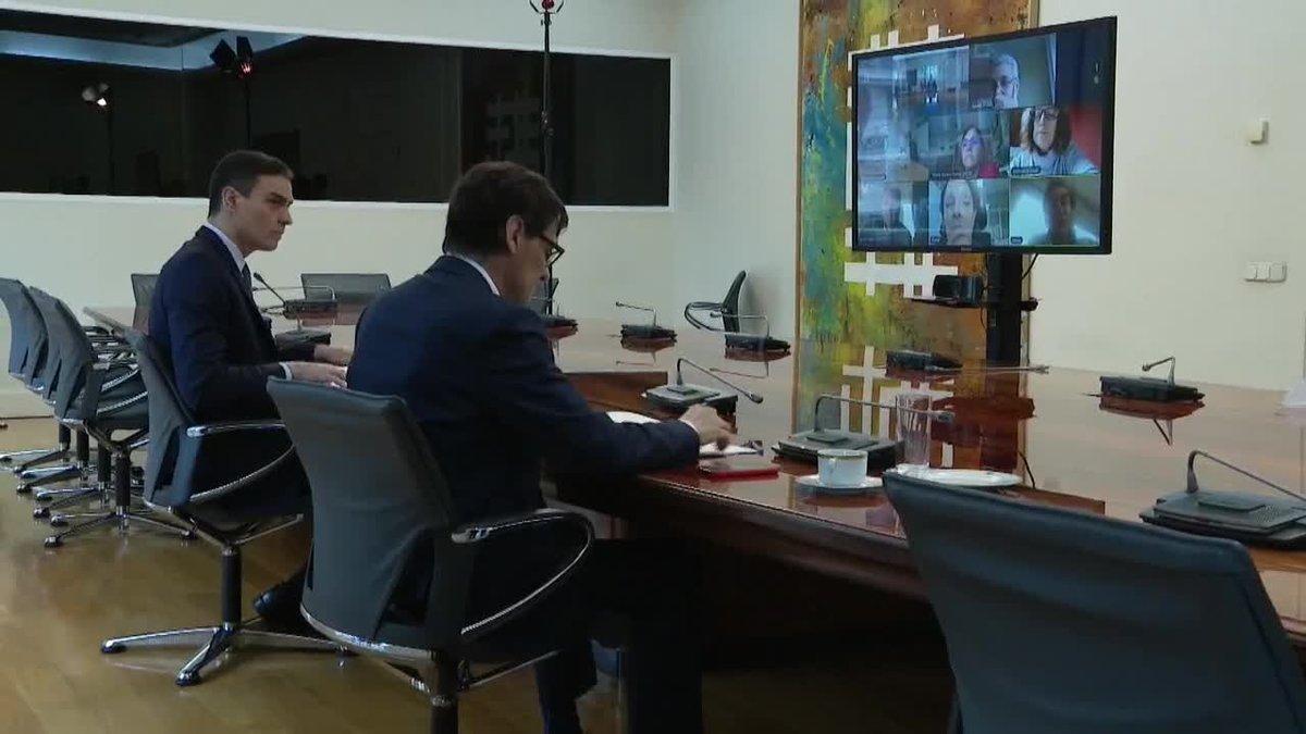 Pedro Sánchez preside por videoconferencia la reunión del comité científico Covid-19.