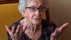 La poeta uruguaya Ida Vitale, en Formentor, Mallorca.