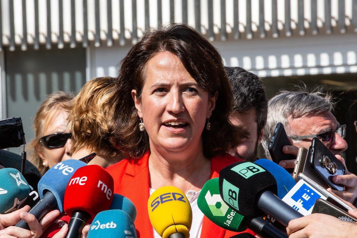 01/10/2019 La presidenta de la ANC (Asamblea Nacional Catalana), Elisenda Paluzie, atiende a los medios de comunicación durante el acto de presentación del marco de las movilizaciones a las puertas de la sentencia del 1-O organizado por JxCat, ERC, CUP, ANC y Òmnium, en Barcelona (España), a 1 de octubre de 2019.