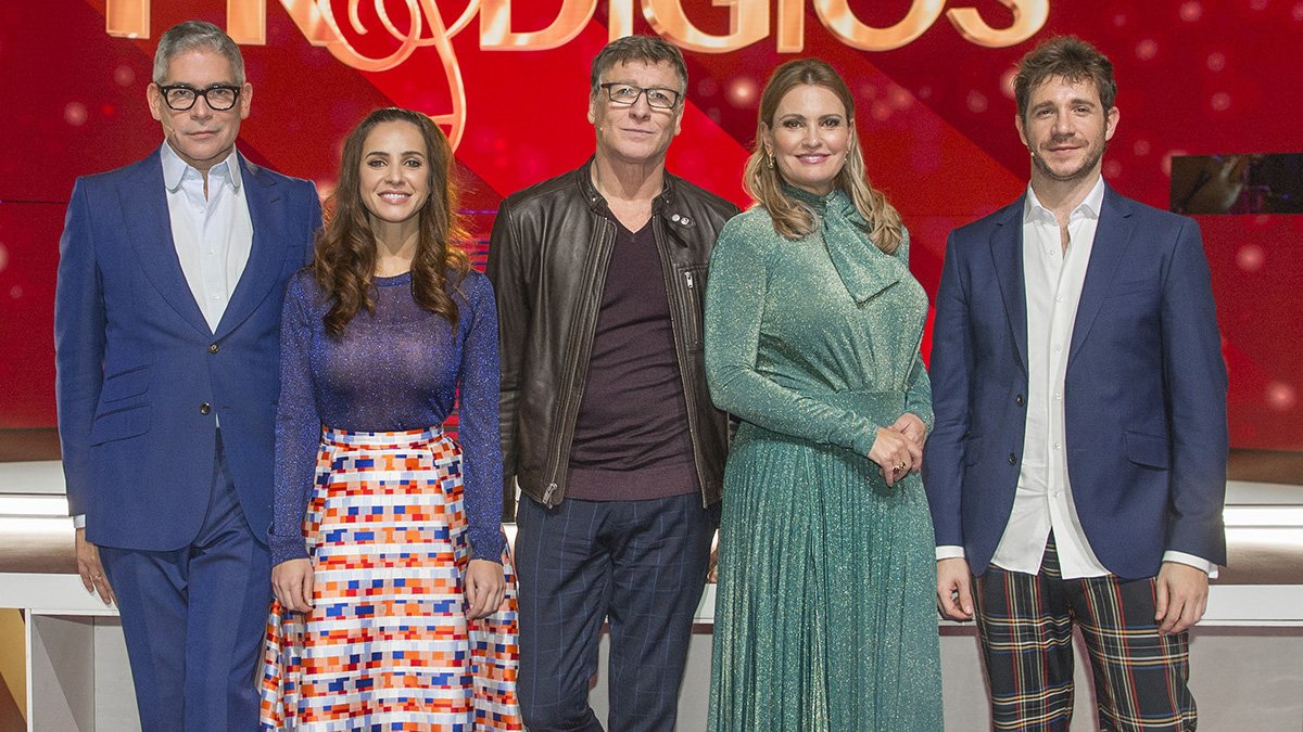 Presentadores y jurado de Prodigios.