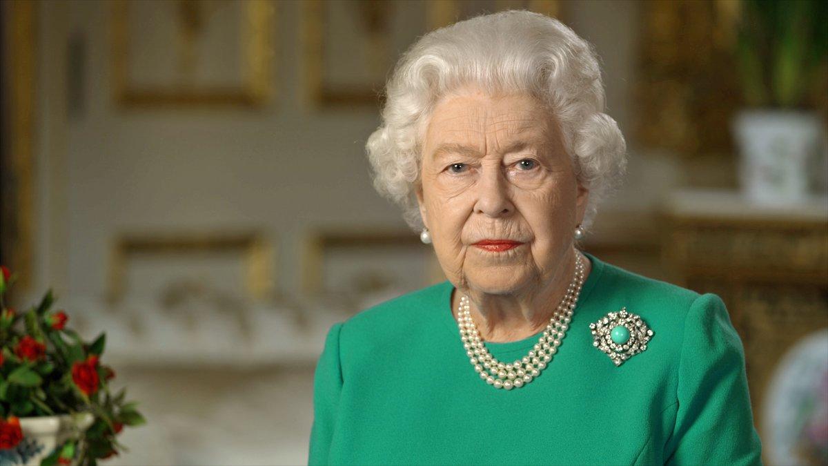 """Isabel II pide a los británicos """"autodisciplina"""" para confrontar el coronavirus"""