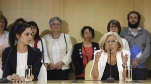 La regidora Rita Maestre i lalcaldessa de Madrid, Manuela Carmena.
