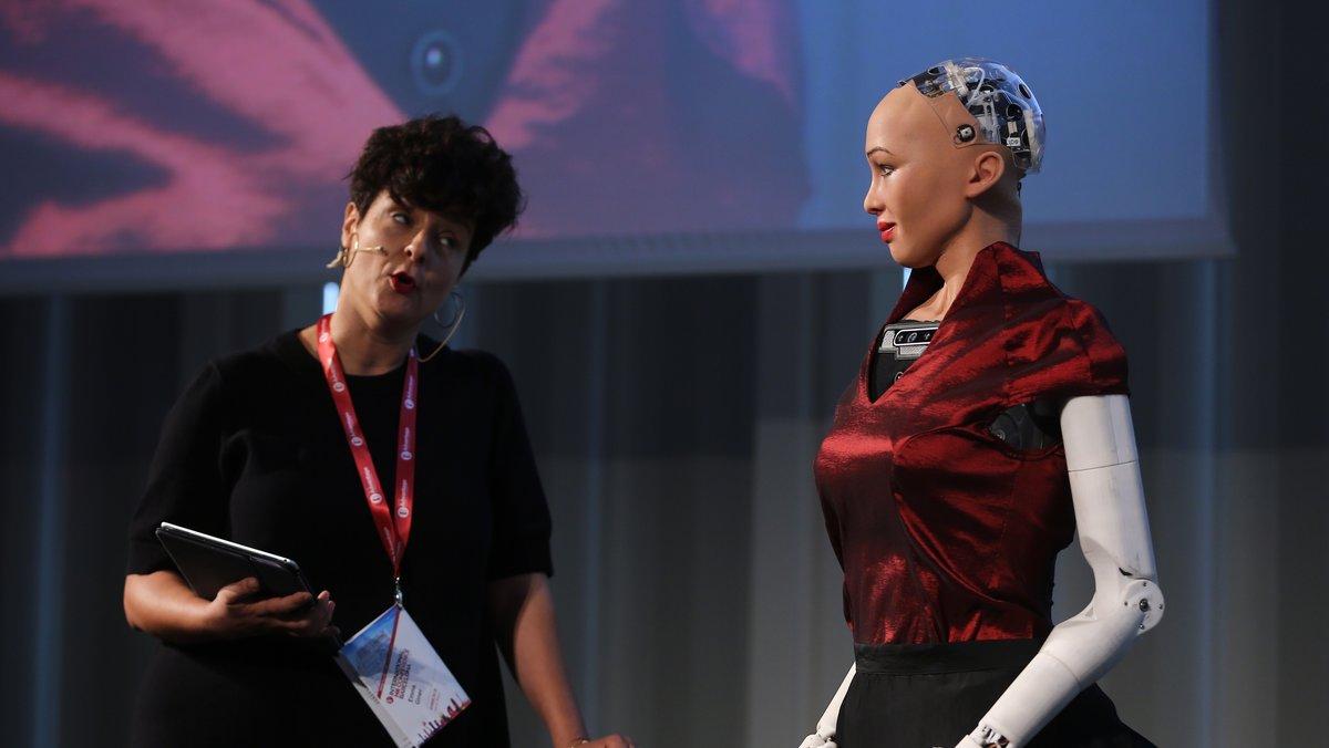 La robot humanoide Sophia realiza una entrevista de trabajo en la 5th Internacional HR Conference, en Barcelona.