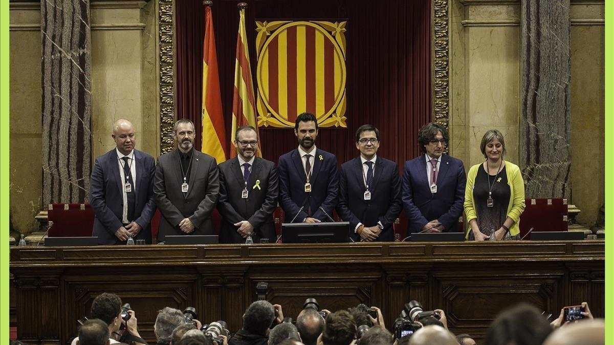 Los integrantes de la Mesa del nuevo Parlament, este miércoles, en la constitución de la Cámara.