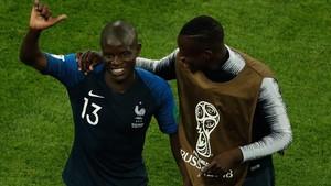 Kanté y Mendy celebran la victoria de Francia ante Bélgica.