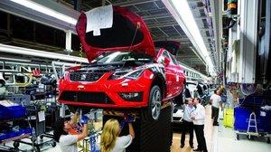 España vende el 24% menos de coches y Alemania se mantiene como el principal comprador