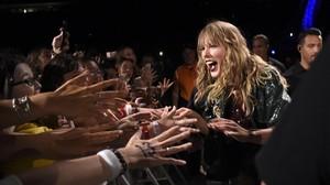Taylor Swift, sobre el escenario del estadio de New Jersey, en su gira mundial para promocionar su sexto álbum de estudio, Reputation, el pasado 20 de julio.