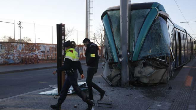 Diversos ferits en un accident del Trambesòs a Sant Adrià
