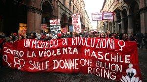 Manifestación feminista en Bolonia (Italia) contra la violencia machista.