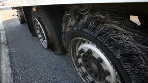 Nou incident amb una trentena de camions amb les rodes punxades a l'AP-7