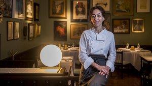Núria Gironès, en el comedor del restaurante familiar.